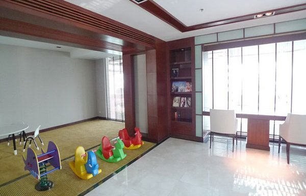 The-Address-Chidlom-condo-Bangkok-kids-playground-2